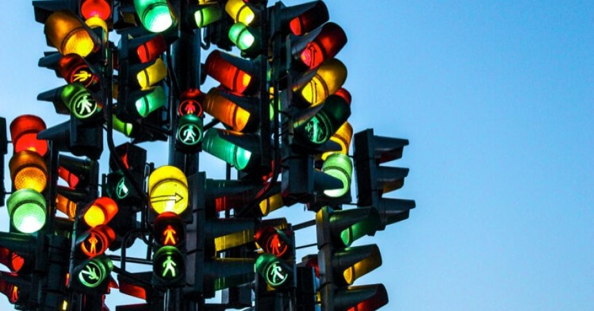 red green yellow traffic lights