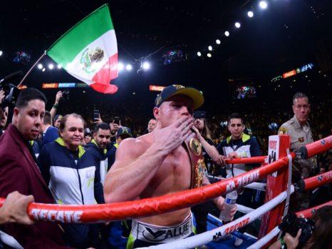canelo alvarez mexican flag